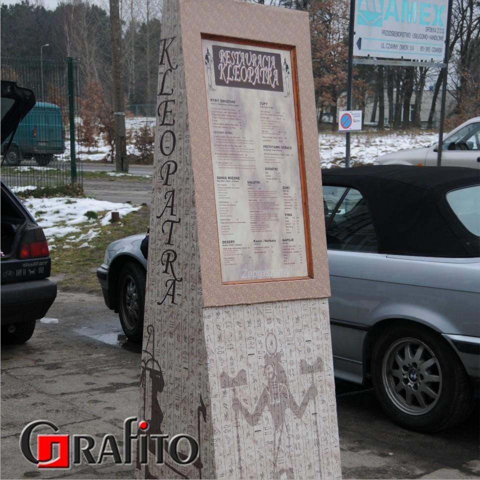 Potykacz - menu restauracja. Drewno + wydruk solwentowy.